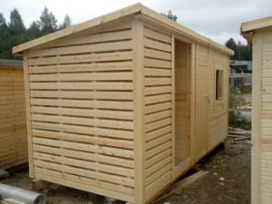 сарай-садовый-деревянный-300x225